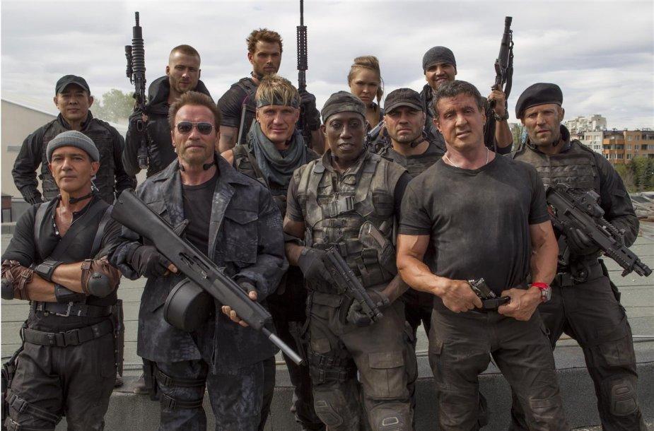 """Antonio Banderasas, Arnoldas Schwarzeneggeris, Dolphas Lundgrenas, Wesley Snipesas, Sylvesteris Stallone ir Jasonas Stathamas filme """"Nesunaikinami 3"""""""