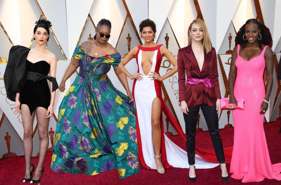 """Oskarų"" viešnios (iš kairės): St. Vincent, Whoopi Goldberg, Blanca Blanco, Emma Stone ir Viola Davis"