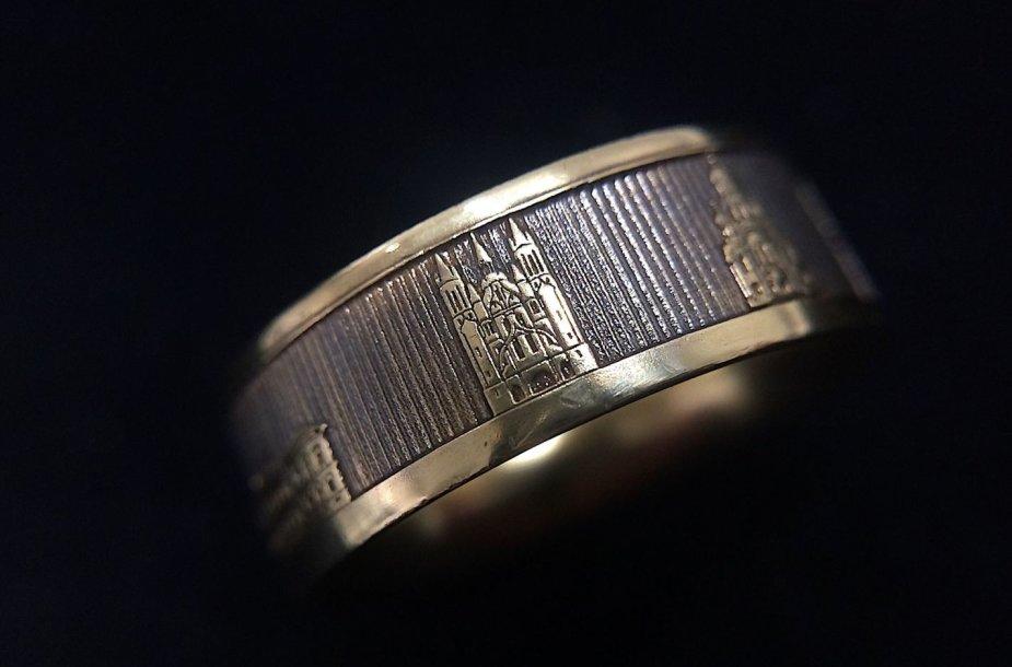 Viktorijos Orkinės Lietuvos valstybės atkūrimo šimtmečiui sukurtas žiedas