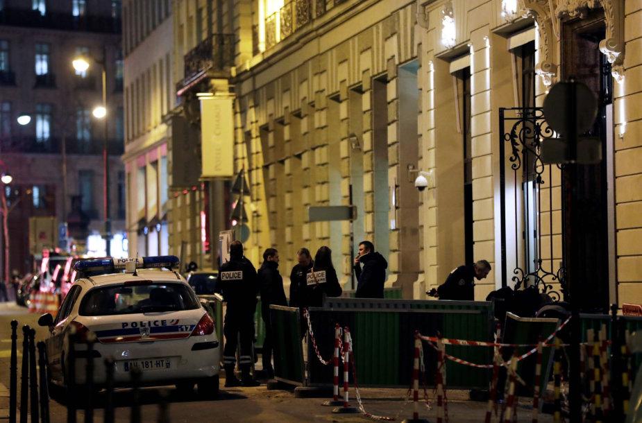 Paryžiaus policija įvykio vietoje
