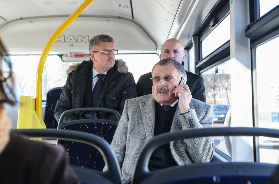 Verslininkas Stasys Brunza viešajame transporte