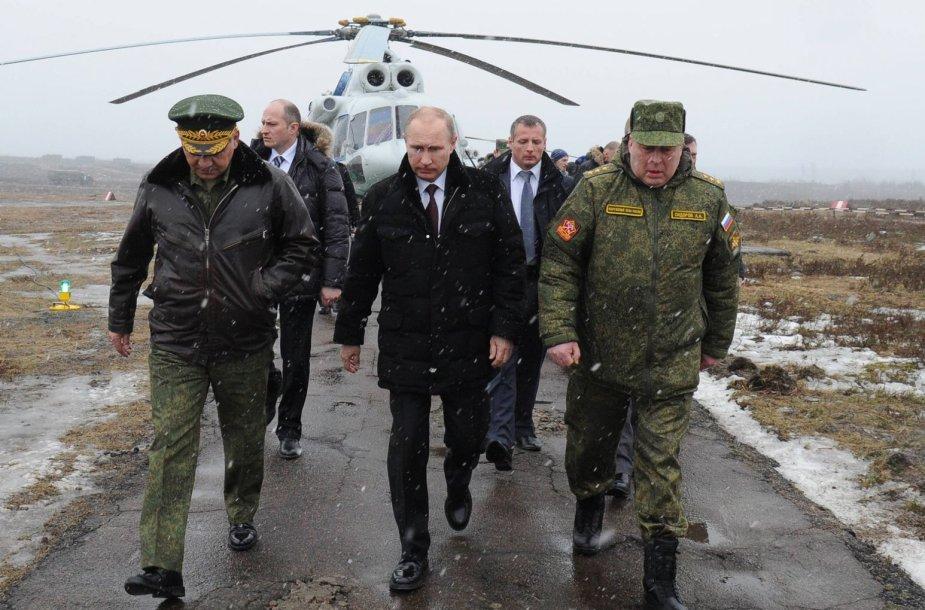 Apie hibridinį karą Rusijos generolai ir V.Putino aplinka prabilo dar 2013 metais.