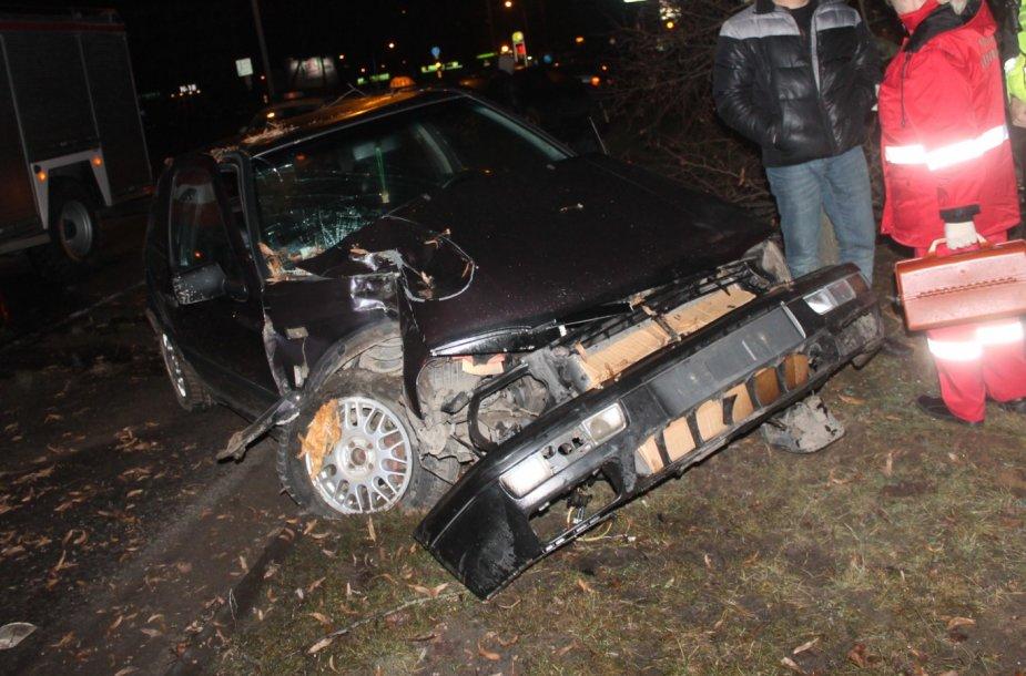 """VW Golf"" po avarijos"