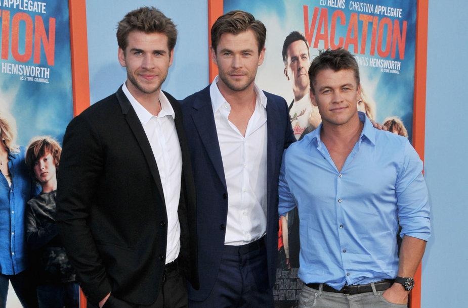 Liamas, Chrisas ir Luke'as Hemsworthai