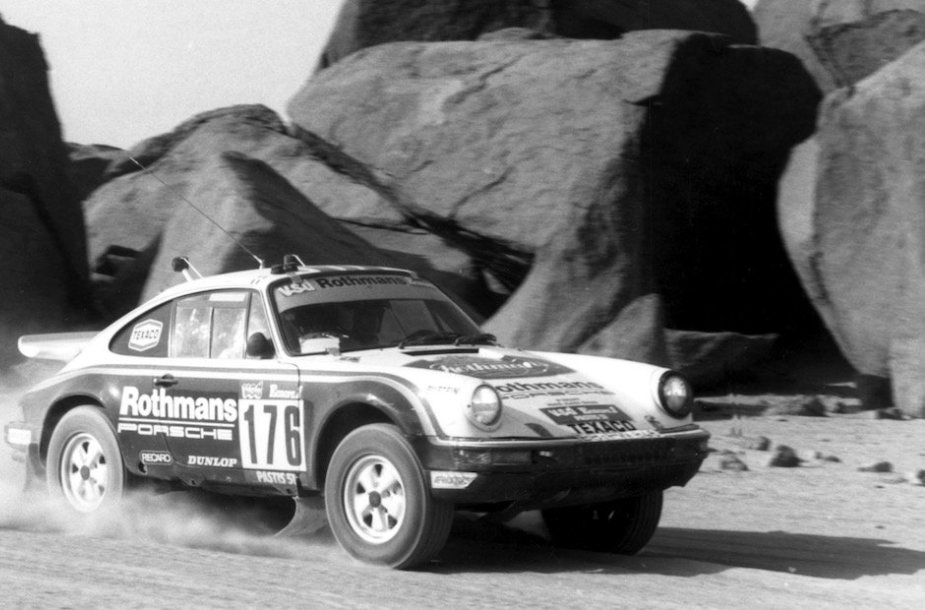Porsche 953 1984-ųjų Dakaro ralyje. (Porsche nuotrauka)