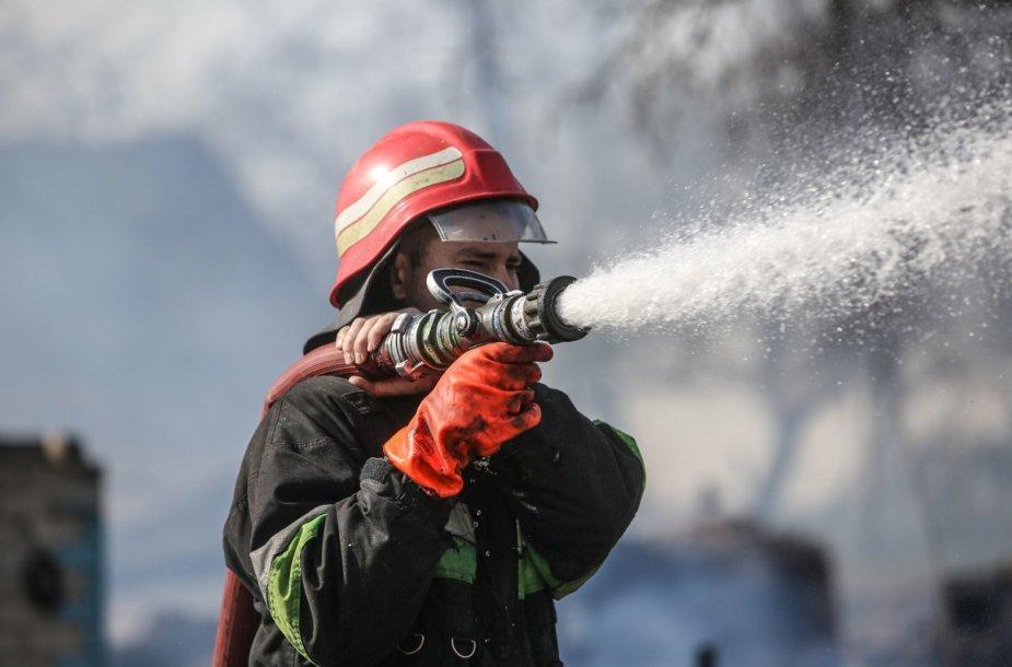Šalčininkų rajone, Krakūnų kaime kilęs gaisras sunaikino apie 20 pastatų