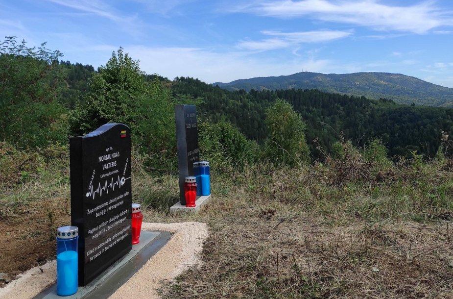 Bosnijoje atidengtas atminimo akmuo žuvusiam Lietuvos kariui N.Valteriui