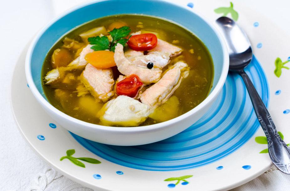 Sriuba su žuvimi