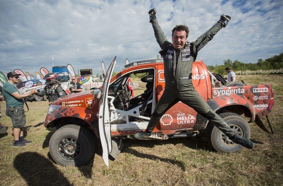 Antanas Juknevičius po Dakaro ralio finišo