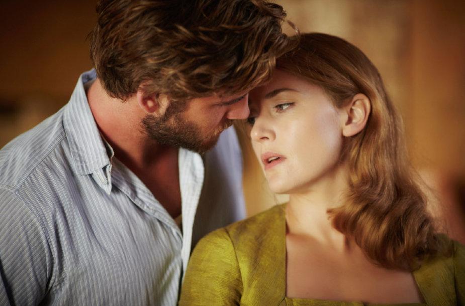 """Liamas Hemsworthas ir Kate Winslet filme """"Siuvėja"""""""