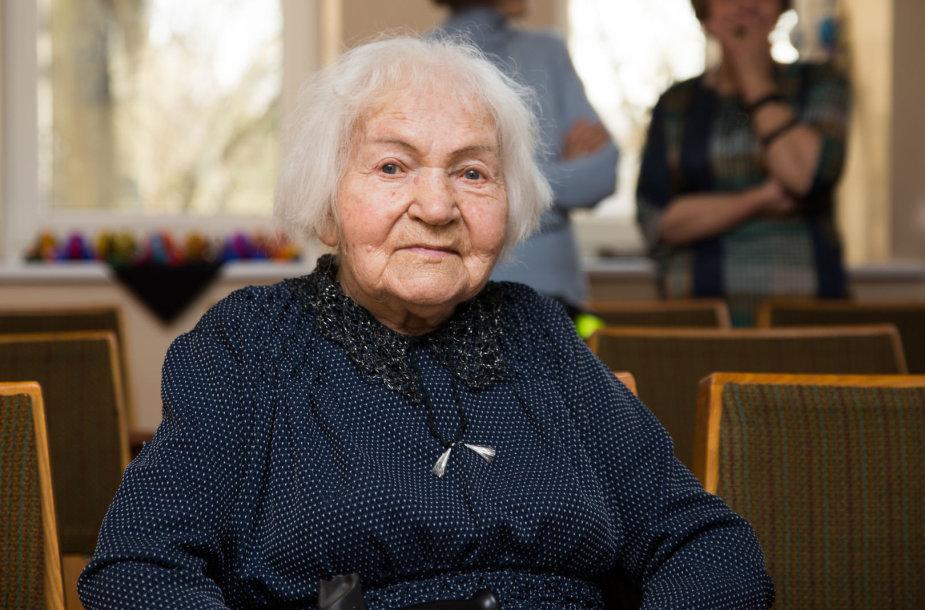 Aleksoto bendruomenė pasveikino 100 metų sulaukusią gyventoją