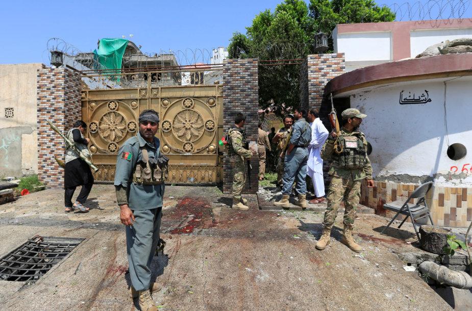 Rytų Afganistane per mirtininkų ataką žuvo du apsaugininkai
