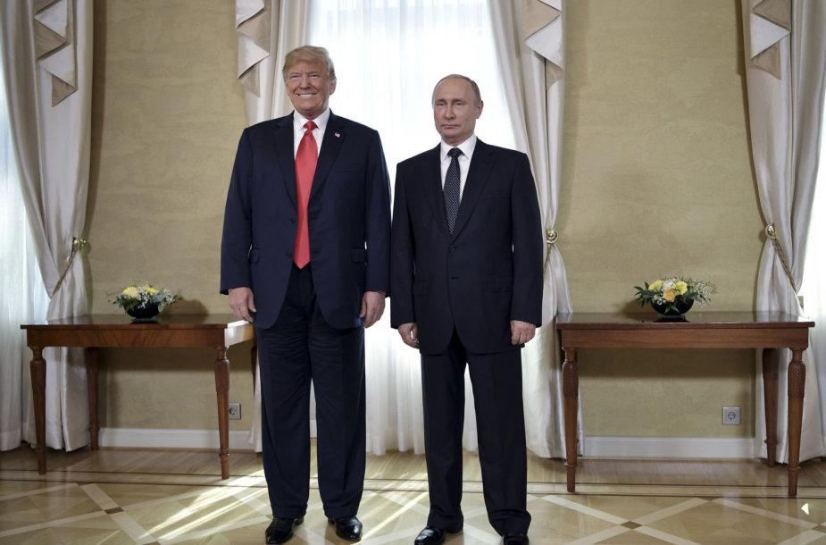 Donaldas Trumpas ir Vladimiras Putinas per susitikimą Helsinkyje