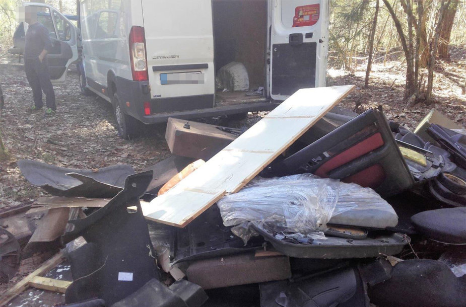 Trakų miškuose sučiuptas šiukšlintojas