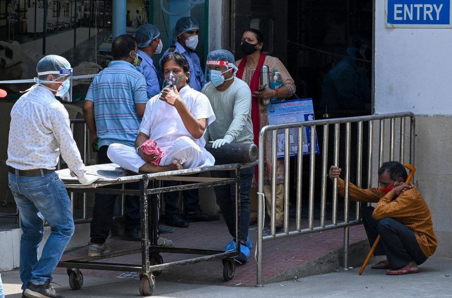 COVID-19 užsikrėtę pacientai Indijoje