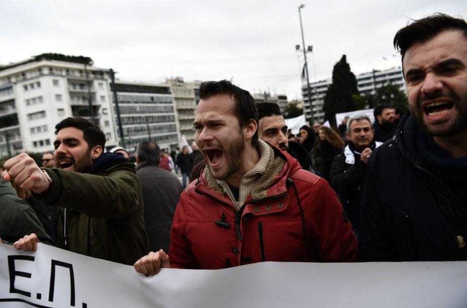 Graikijoje prieš parlamento balsavimą dėl kolektyvinių veiksmų apribojimo vyksta streikai