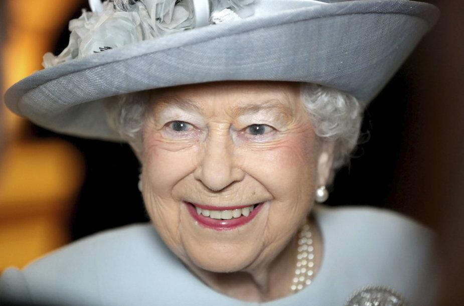Britų karalienė Elizabeth II švenčia 92-ąjį gimtadienį