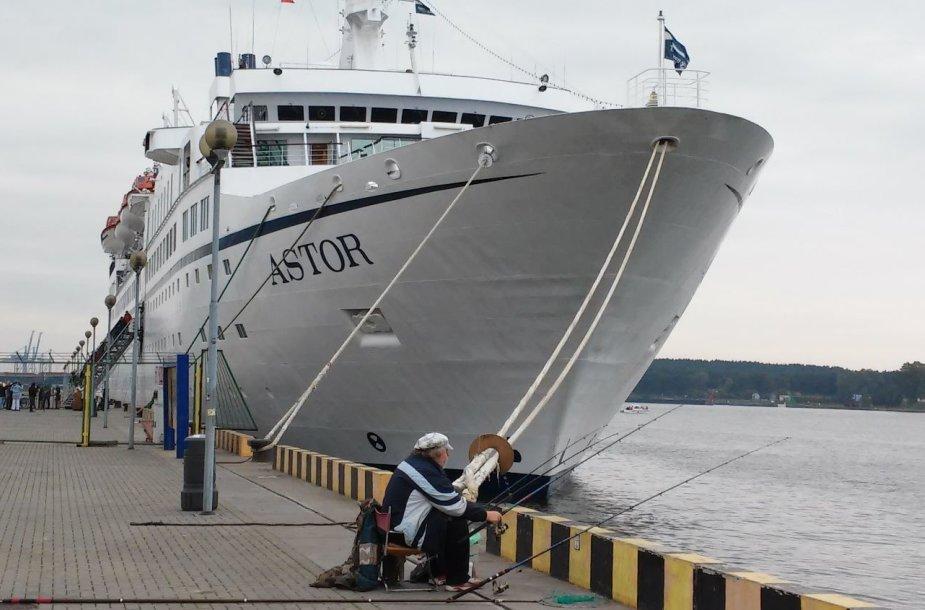 """Lainerio """"Astor"""" vizitu Klaipėdos uoste baigiamas kruizinės laivybos sezonas"""
