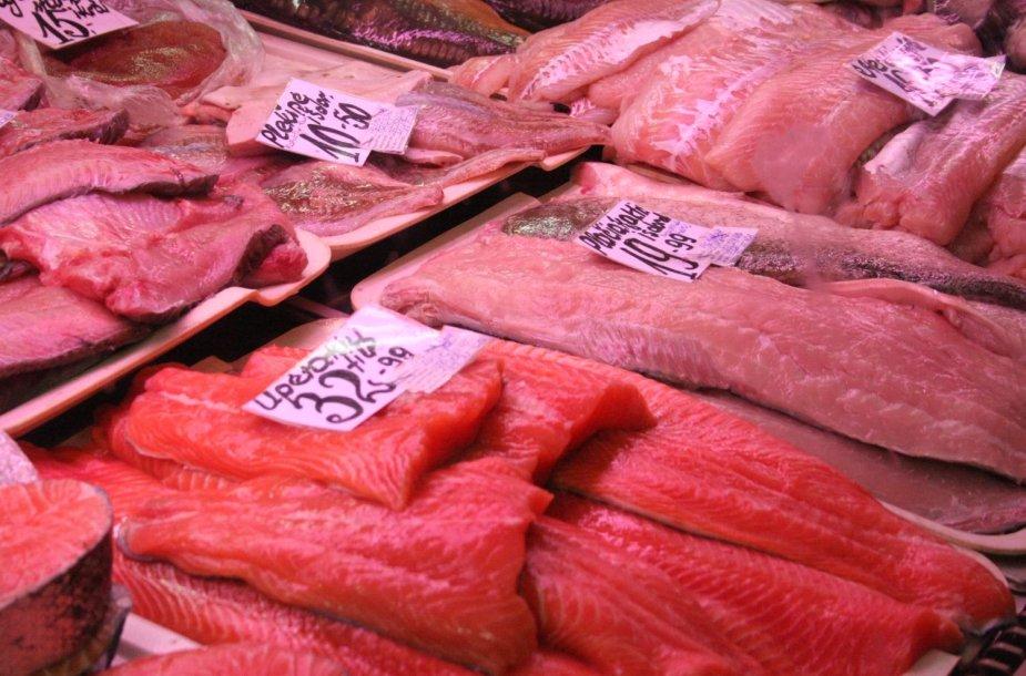 Žuvis prieš šventes šiek tiek atpigo.