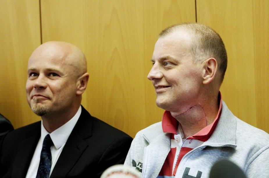 Prof. Adamas Maciejewskis su pacientu