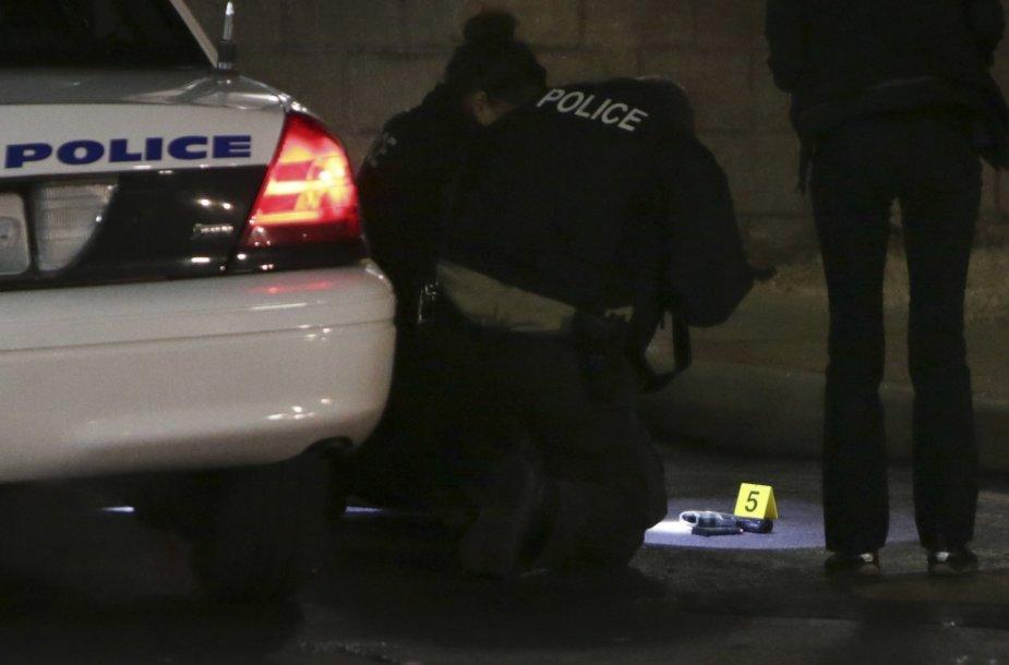 Berklio degalinėje policija nušovė paauglį