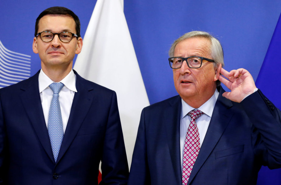 Mateuszas Morawieckis ir Jeanas-Claude'as Junckeris