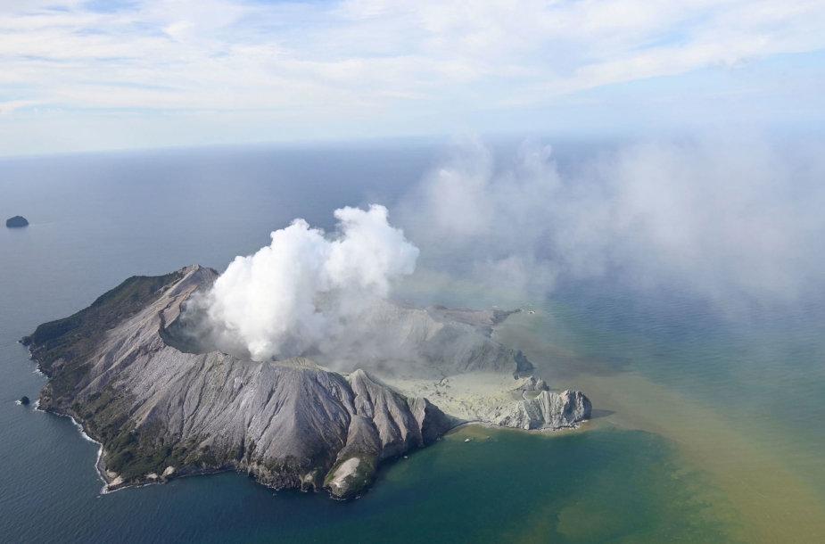 Ugnikalnio išsiveržimas Baltojoje saloje