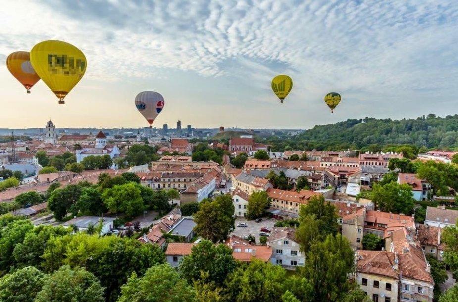 Per Lietuvą oro balionu