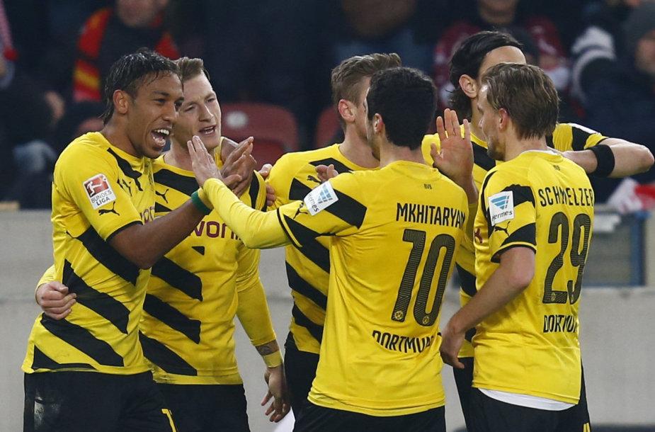 """""""Borussia"""" bent laikinai sugrįžo į pergalių kelią"""