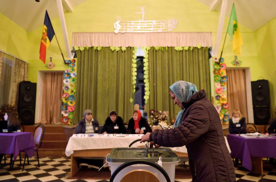 Moldovai balsuoja