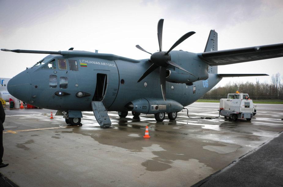 """Lietuvos Karinių oro pajėgų lėktuvas """"Spartan"""""""
