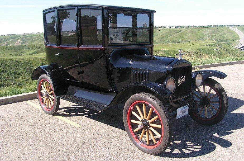 Ford Model T su mediniais ratais. (dave_7, Wikimedia(CC BY-SA 2.0)