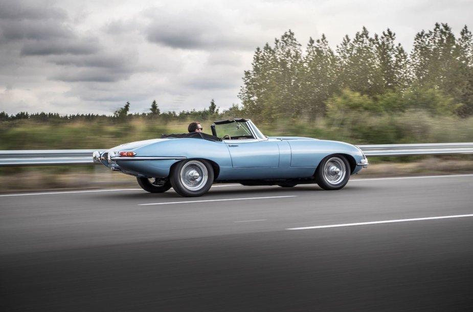 """""""Jaguar E-Type"""" elektromobilis"""