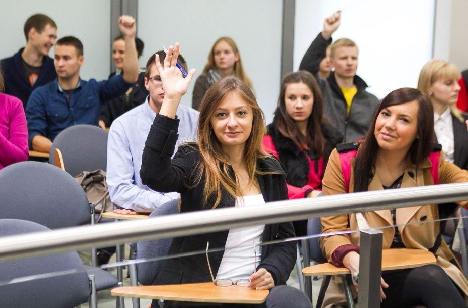 Lietuvoje laikomas Konstitucijos egzaminas