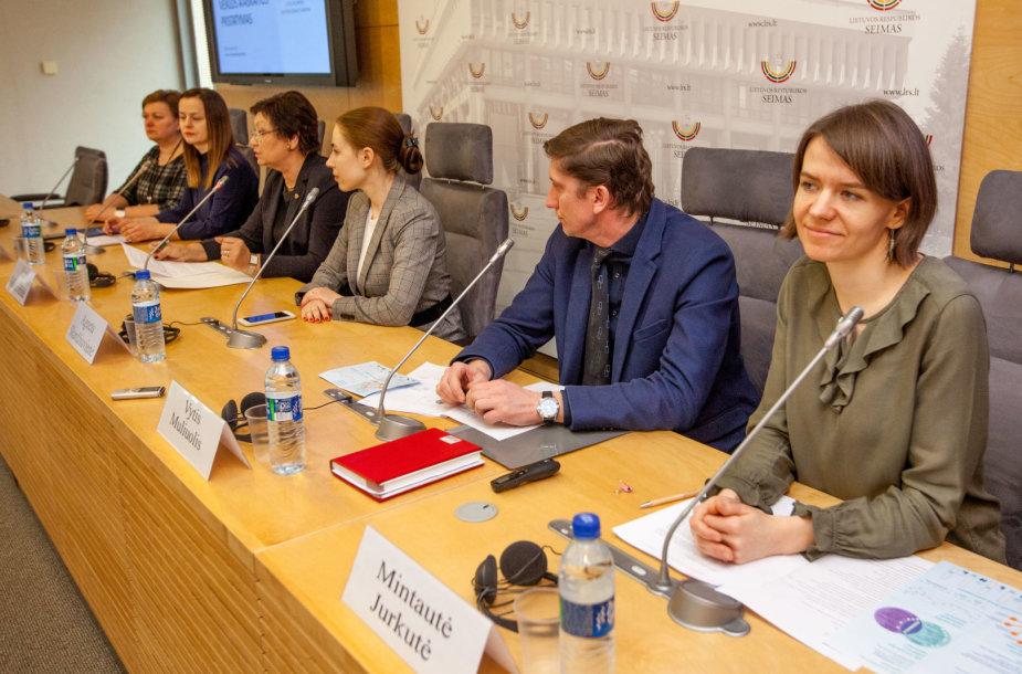 Spaudos konferencija, kurioje pristatyta lygių galimybių kontrolieriaus 2017 m. veiklos ataskaita.