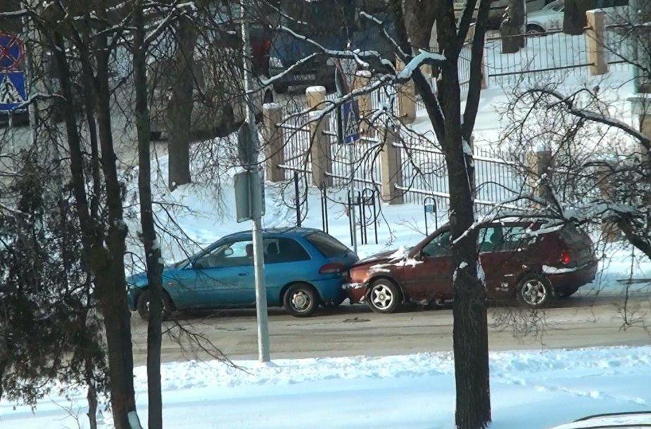 Automobilių susidūrimas prie Stirnų ir Stumbrų gatvių sankryžos