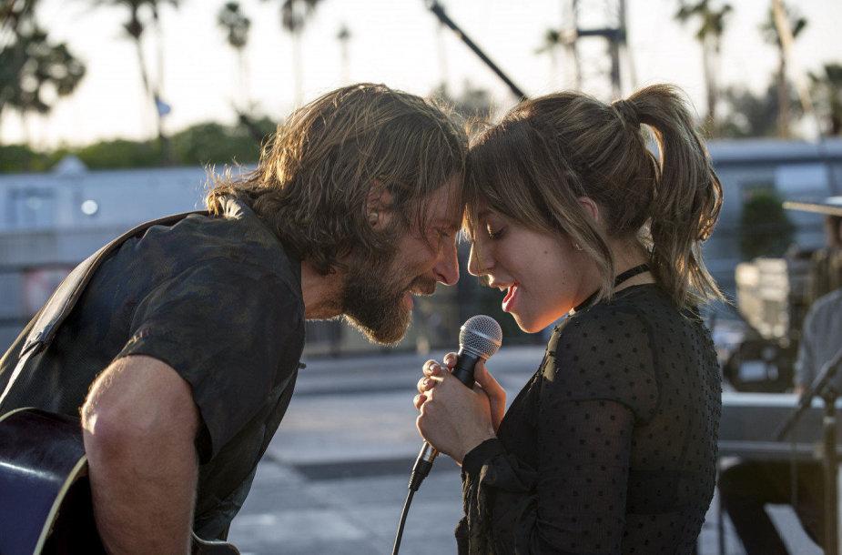 """Lady Gaga ir Bradley Cooperis filme """"Taip gimė žvaigždė"""""""