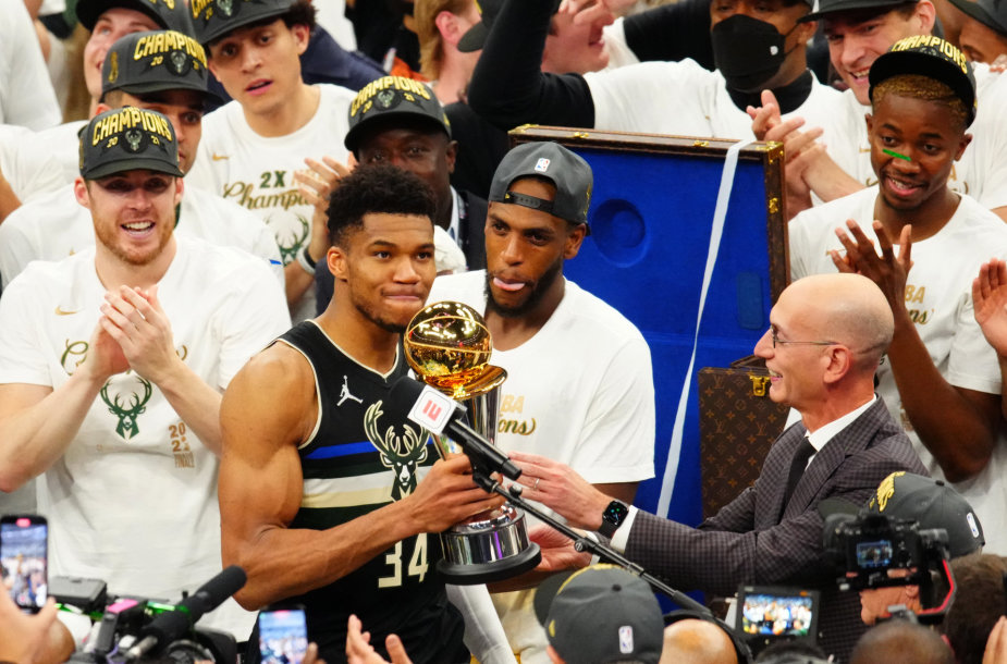 "Giannis Antetokounmpo ir ""Milwaukee Bucks"" tapo NBA čempionais."