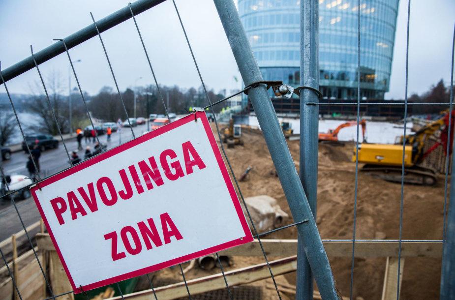 Vilniuje atsivėrusi smegduobė užpilta gruntu