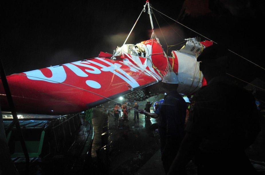 """""""AirAsia"""" lėktuvo nuolaužos"""