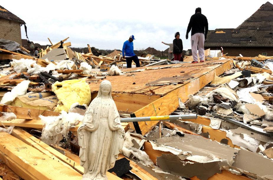 Tornadas ir potvyniai Centrinėje JAV dalyje