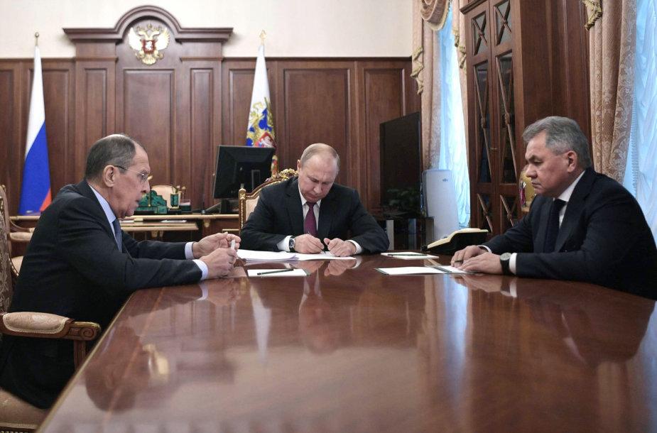 Sergejus Lavrovas, Vladimiras Putinas ir Sergejus Šoigu