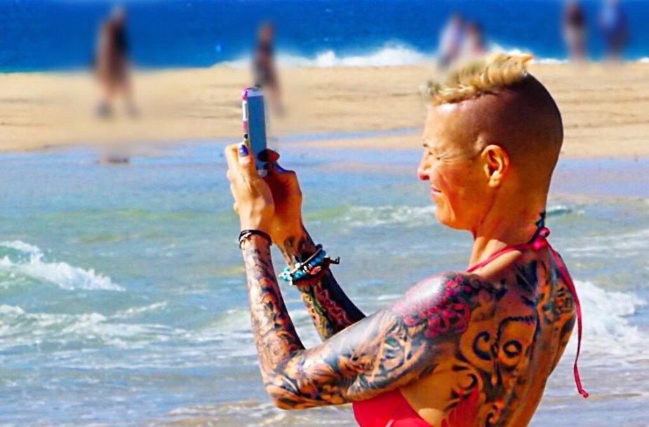 Tatuiruota moteris