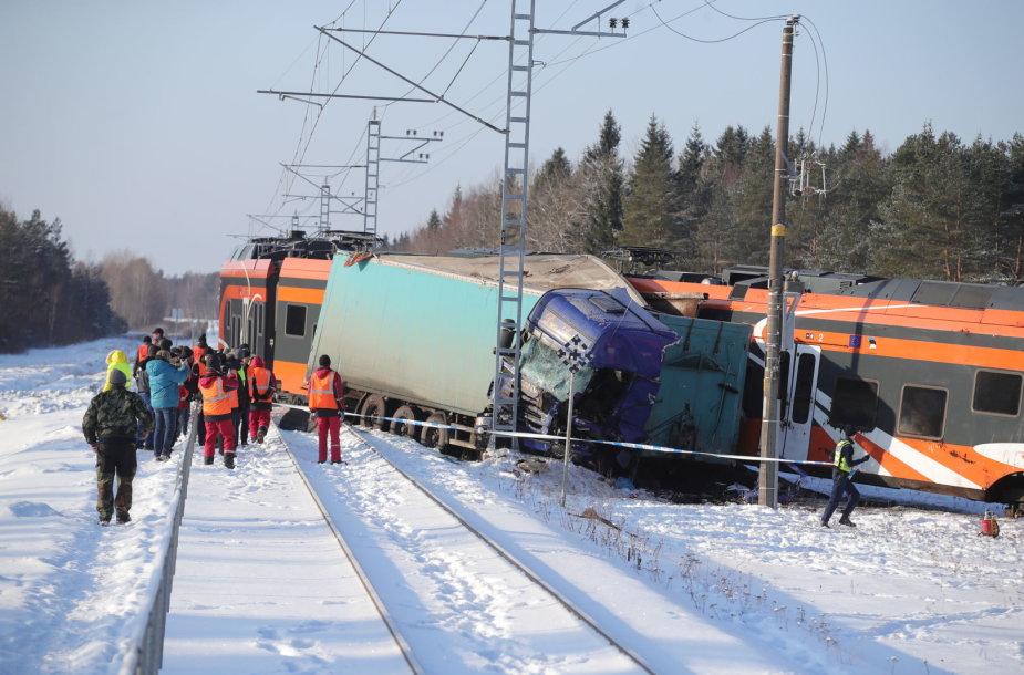 Traukinio ir sunkvežimio avarija Estijoje