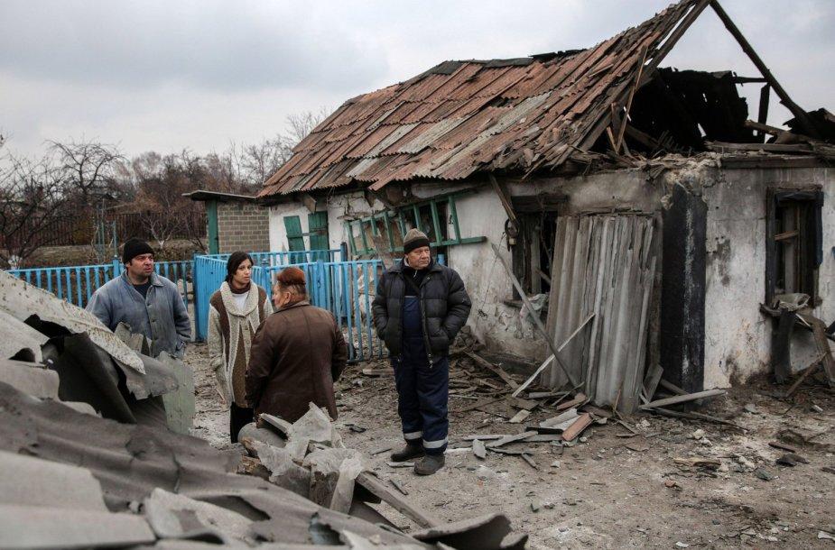 Per apšaudymus nuniokoti Donecko gyventojų namai