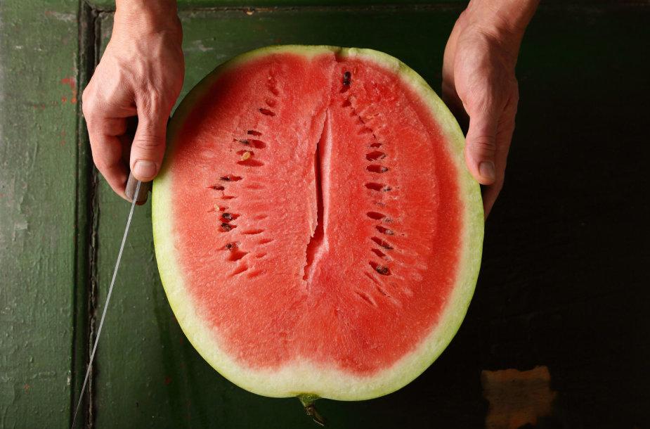 Perpjautas arbūzas