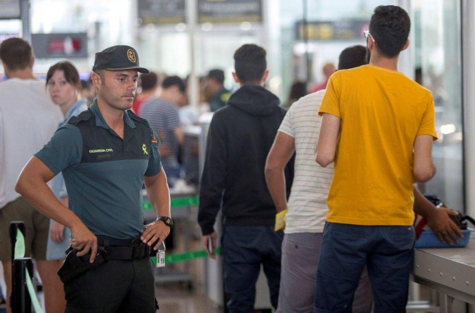 Barselonos oro uosto apsaugos darbuotojas