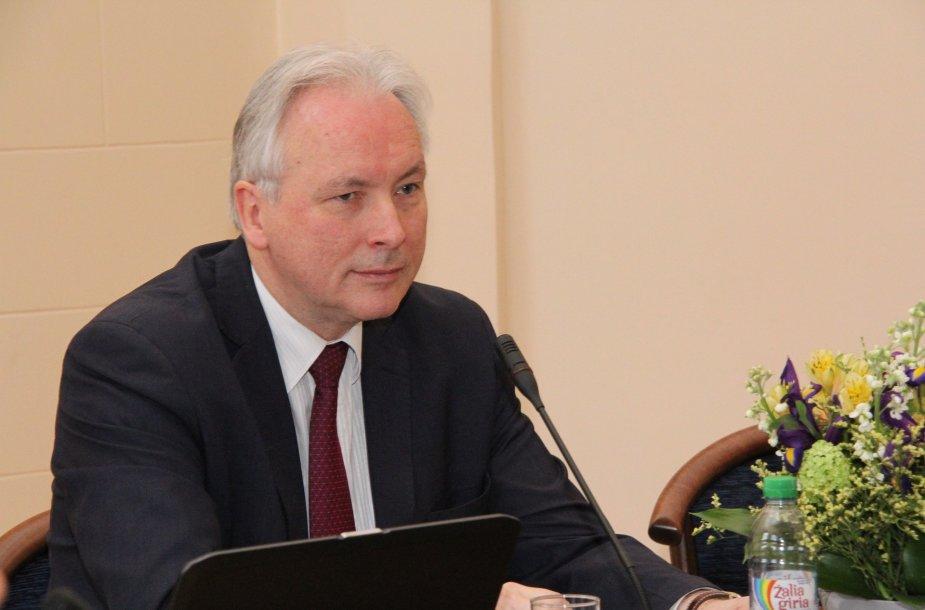 Prof. Arūnas Valiulis
