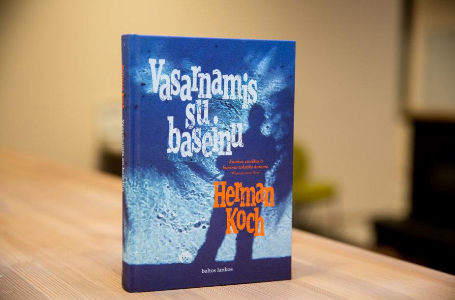 """Hermano Kocho romanas """"Vasarnamis su baseinu"""""""
