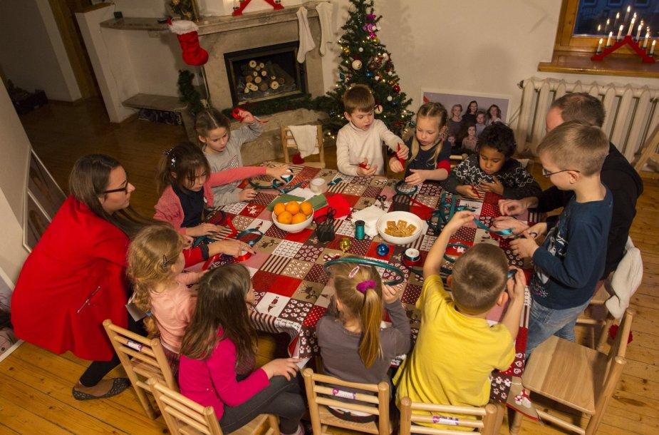 Gaminkite su vaikais: žaisliukai Kalėdų eglutei